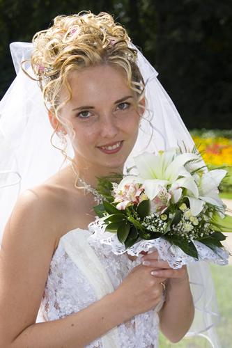 ищу работу в москве свадебные и вечерние прически